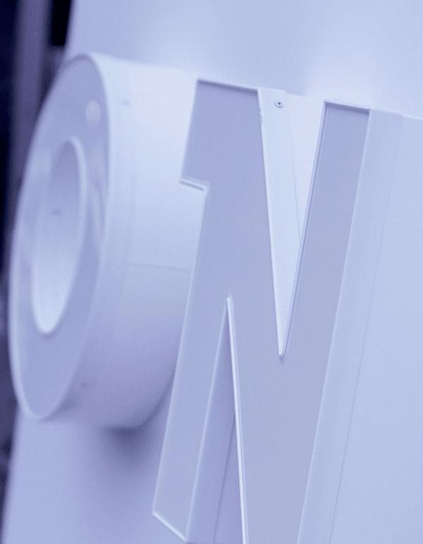 einzelbuchstaben-beleuchtet