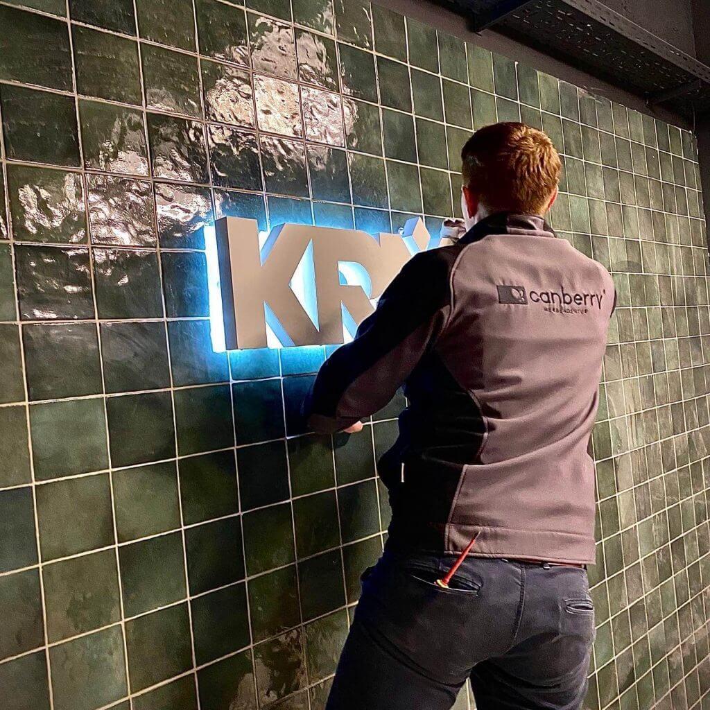 Indoor Leuchtreklame Einzelbuchstaben