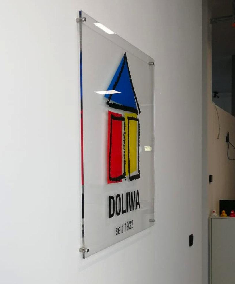 Firmenschild aus Acrylglas