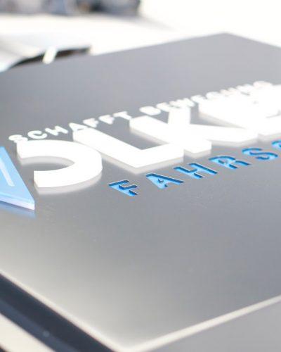 Werbeschild mit 3D Buchstaben für Fahrschule Volkers